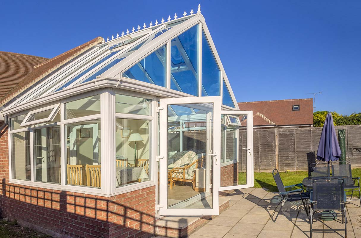 REPLACEMENT CONSERVATORY INCLUDES SKYLIGHT IN GLASS ROOF